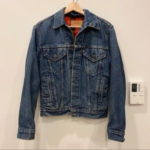 Vintage Levi's denim jacket w plaid inside
